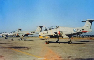 Para impresionar a la Presidente Isabel Martínez de Perón, el Día de la Fuerza Aérea de 1974 consistió en un despliegue masivo de aeronaves militares a Morón, donde se pudieron ver los tres prototipos del IA-58 Pucará tanto en tierra como en vuelo (foto: Raúl Hrubisko).