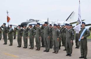 Personal de la II Brigada Aérea formado para el acto (foto: Esteban Brea)