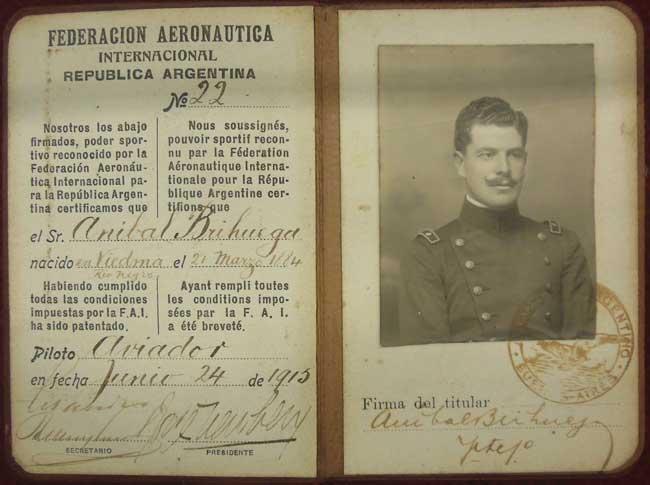 Documento extendido en 1913, por la Federación Aeronáutica Internacional, que en la Argentina era el Aero Club Argentino, aunque ello no figura en el mismo (foto archivo Pablo Luciano Potenze).