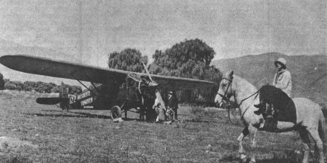 Fairchild con motor Wright Wirlwind de 220 HP, bautizado Presidente Yrigoyen, operado por el Aero Club Tucumán. El avión ya tenía la matrícula argentina del momento (R-122) (foto archivo Pablo Luciano Potenze).